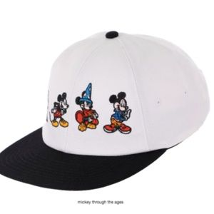 Vans DISNEY X MICKEY MOUSE'S 90TH JOCKEY HAT